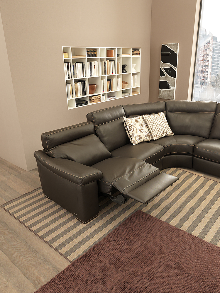 B 814 Leather Sectional Natuzzi Editions Italmoda